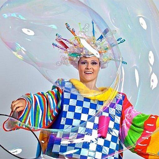 Шоу мыльных пузырей в Омске